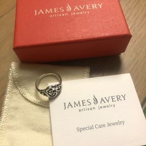 Janes Avery Spanish Swirl Ring